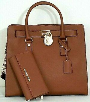 MICHAEL KORS HAMILTON LARGE SAFFIANO LEATHER LUGGAGE TOTE BAG AND WALLET🌺NEW for Sale in Pico Rivera, CA