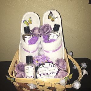 Spa Gift Set Basket for Sale in Fontana, CA