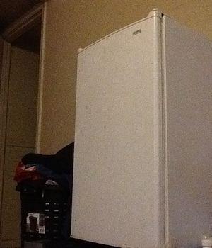 Kennmore Mini Refridgerator/Freezer for Sale in Austin, TX
