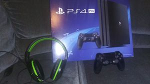 PS4 pro 4kHDR 1TB for Sale in Deming, NM