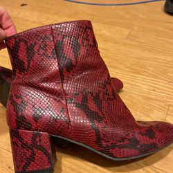 Red snake skin heel for Sale in Ladera Ranch,  CA