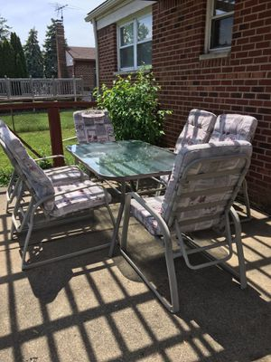 Patio Set w/ 6 chairs and 2 benches for Sale in Sterling Heights, MI