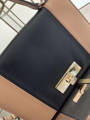 Michael Kors crossbody Handbag for Sale in McLean, VA
