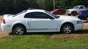 2000 ford mustang for Sale in Bourbon, MO