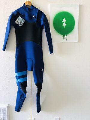New surf surfing surfboard wetsuit fullsuit Hurley advantage plus 3/2 for Sale in San Diego, CA