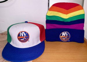Ny islanders hat & knit for Sale in New York, NY