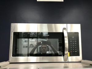 Frigidaire Microwave Stainless for Sale in St. Louis, MO