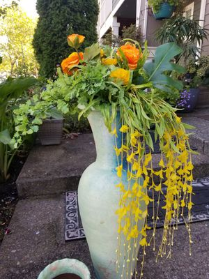 bouquet of artificial flowers with two vases for Sale in Troutdale, OR