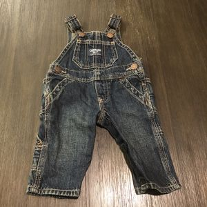Osh Kosh B'gosh Infant Overalls Size 3 months for Sale in Los Angeles, CA