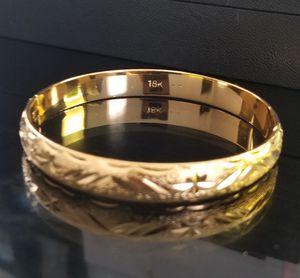 Vintage 18k Gold Bangle Bracelet for Sale in Silver Spring, MD
