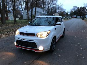 Kia Soul 2014 🔥 E plus loader miles 9500 such super cool Kia sport looking ,title rebuilt, has gps ,big screen , camera buck up , moonroof , sport ri for Sale in Worthington, OH