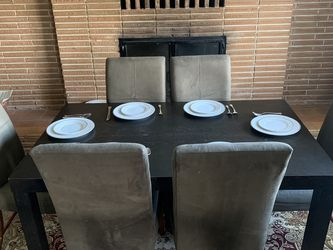 Dining Table With 6 chairs for Sale in Des Moines,  WA