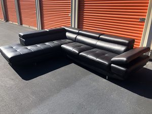Modern Sectional Couch Sofa *FREE DELIVERY* for Sale in Berkeley Township, NJ