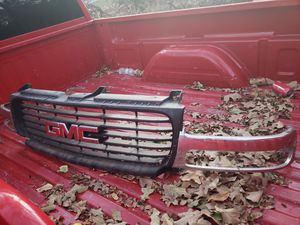 Front grill for GMC Yukon Sierra Sierra gm 15764316 with emblem for Sale in Fort Worth, TX