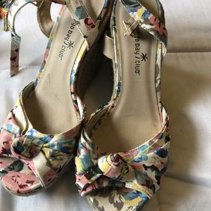 Floral Wedge Women's Shoes for Sale in Des Moines, WA