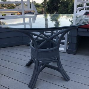 42 Inch Round Outdoor Table for Sale in San Diego, CA