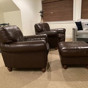 Leather Chairs And Ottoman for Sale in Vaughn, WA