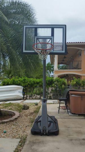 Lifetime basketball hoop for Sale in Hialeah, FL