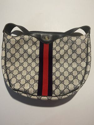 Gucci Ophidia Small Shoulder Bag for Sale in Concord, NC