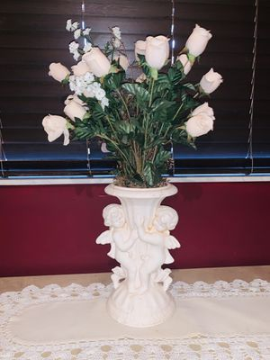 Angel vase with flowers (white cloth included) for Sale in Miami, FL