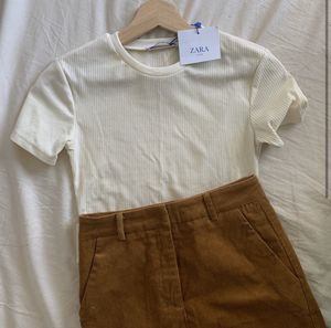 NWT Zara Trafaluc Cropped Tee for Sale in Los Angeles, CA