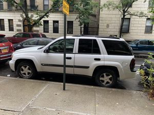 Chevy Trail Blazer 2004 for Sale in New York, NY