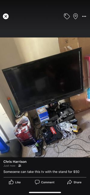 40 inch insignia tv with stand for Sale in Washington, DC
