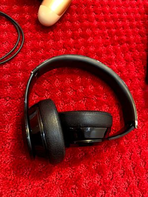 Beats Solo 3 READ DESCRIPTION for Sale in Hoffman Estates, IL