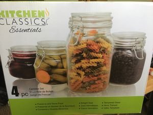 Kitchen Classics Essentials 4 piece Canister Set for Sale in Maryland Heights, MO