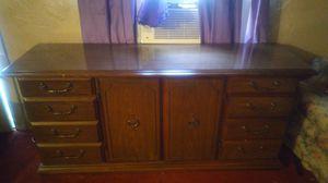 Vintage 6 drawer dresser with Center storage for Sale in Wichita Falls, TX