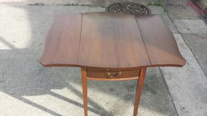 Antique 2Pc End Table. .Wood Set.. for Sale in Baltimore, MD