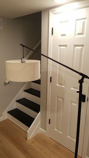 Threshold adjustable floor lamp for Sale in Dumont, NJ