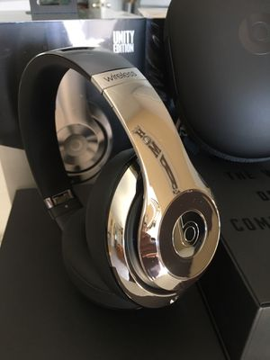 Beats studios wireless brand new for Sale in Carson, CA