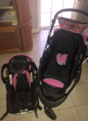 Carriola y car seat.. for Sale in Las Vegas, NV