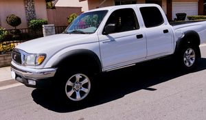 Toyota Tacoma LOW MILES for Sale in Fremont, CA