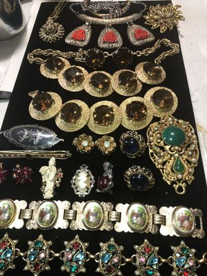 UNIQUE Lot of Vintage/Victorian Jewels! for Sale in Piedmont, SC
