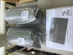Brooklyn Bedding Company King sheets/pillows for Sale in Orlando, FL
