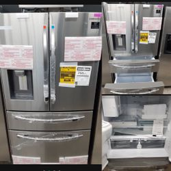 NEW SAMSUNG STAINLESS STEEL FOUR DOOR REFRIGERATOR for Sale in Banning,  CA