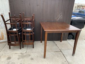 Kitchen table for Sale in Maywood, CA