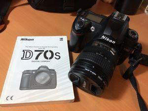 Nikon D70s digital camera with Lowepro camera bag Nova 2AW for Sale in New York, NY
