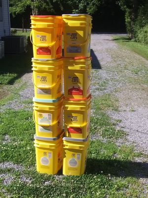 8 EMPTY TIDY CAT CONTAINERS for Sale in Hendersonville, TN