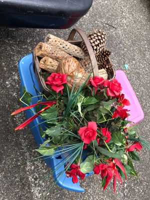 2 Baskets of decorations for Sale in Kent, WA