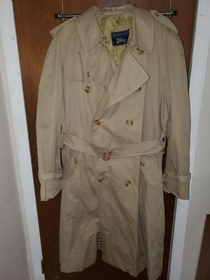 Mens Burberrys Coat size 44R for Sale in Decatur, GA