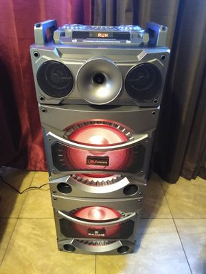 Bocina Bluetooth 2300 watts for Sale in Fresno, CA