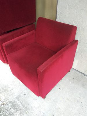 NICE MATCHING CHAIRS for Sale in Tampa, FL