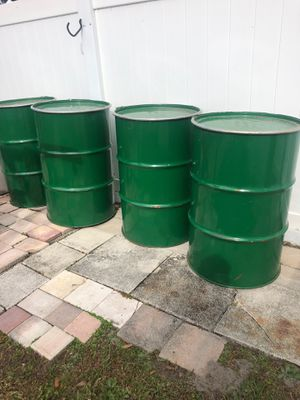 Metal drums 55 gallons for Sale in Town 'n' Country, FL