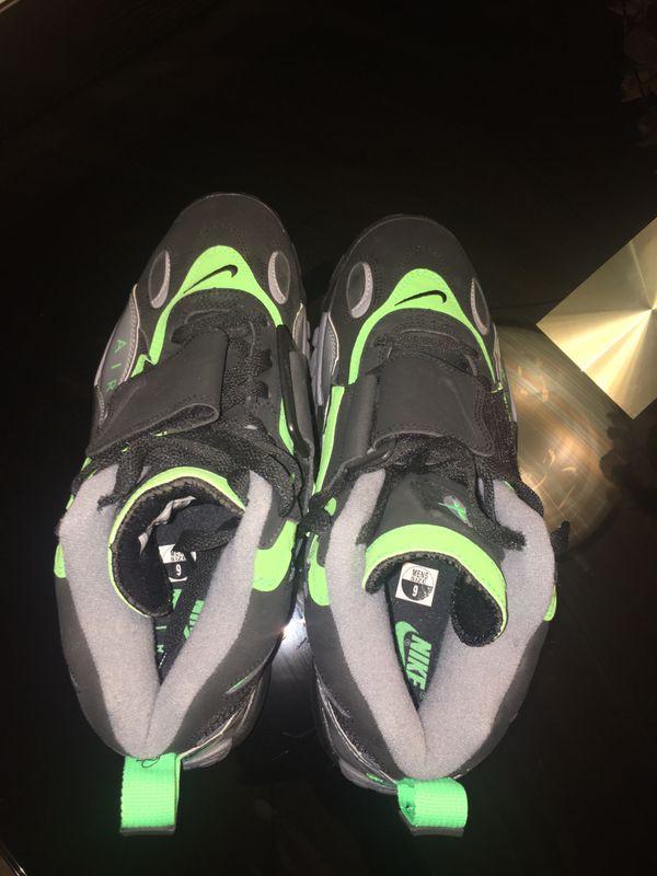 Nike Air Max Turf sneakers