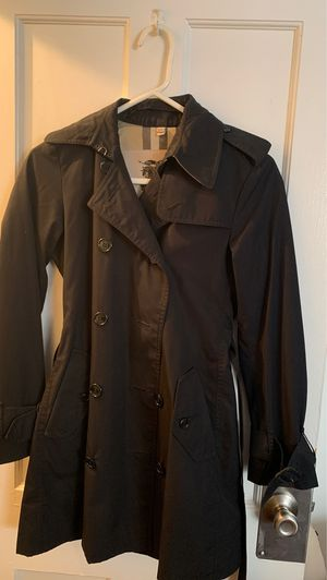 Burberry Kensington trench coat for Sale in Los Angeles, CA