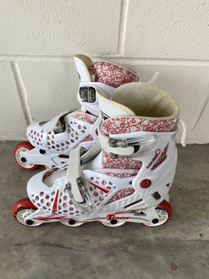 Tracer Roller Derby White (ROLLERBLADES) Inline Skates Adjustable Size 2-5 for Sale in Orlando, FL
