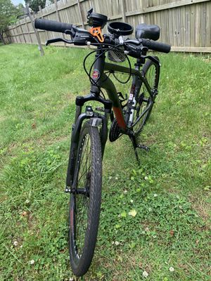 Schwinn DS8 mountain bike in nice shape for Sale in Landover, MD